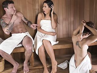 Makayla Cox & Mr. Pete in Sneaky Sauna Mama - Brazzers big tits
