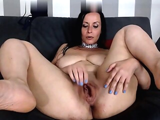 Solo mature masturbating on webcam amateur