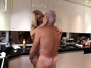 Old Teen Pussy Lick BJ blonde