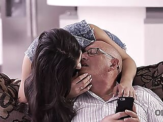 OLD4K. Pretty nice lassie enjoys ass-fucking with old man at Ibiza anal